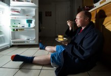 Is Late-Night Snacking Your Brain's Fault