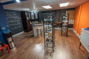 inside_digital_smoker_e-cigarette_store