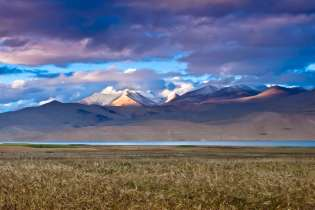 Tsomoriri or Lake Moriri is at an altitude of 4,595 m (15,075 ft) and is the home to the Changpas, the nomadic migratory shepherds.
