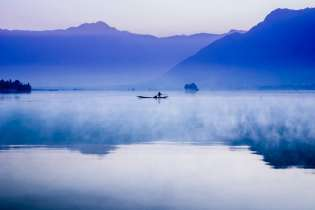 Morning on Dal Lake