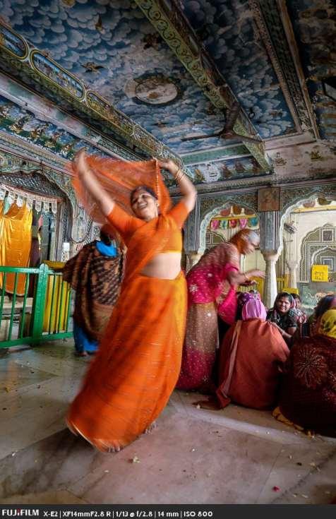 Manju Sethi dancing before Krishna.
