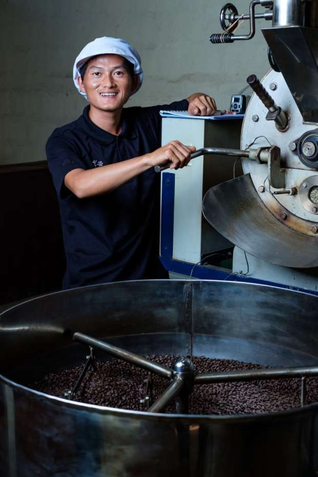 Som Phet, is a master roaster for Saffron Coffee.