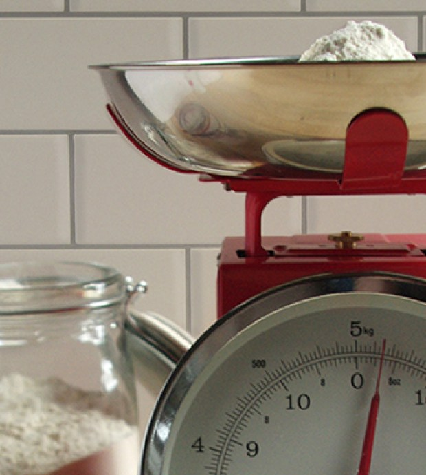 Review: retro kitchen scales | The Littlest Bakehouse