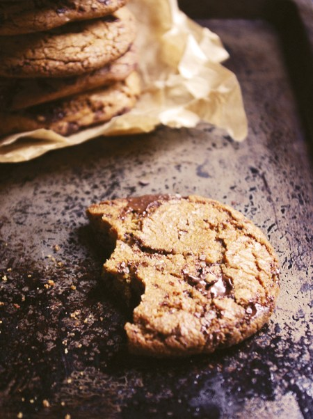 Dark chocolate chip cookies with smoked sea salt // The Dinner Bell