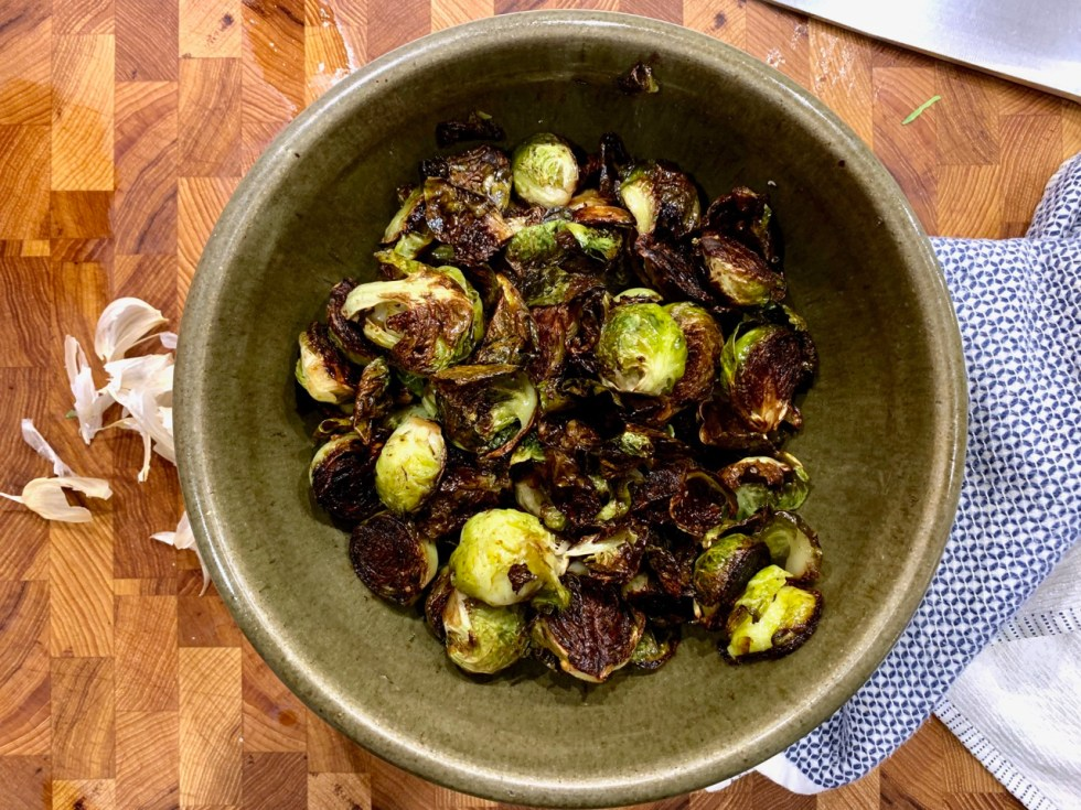 Roasted Brussels Sorouts with Garlic and Balsamic