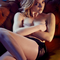 (PHOTOS) Morning Wood: 'Game of Thrones' Natalie Dormer Gets Topless