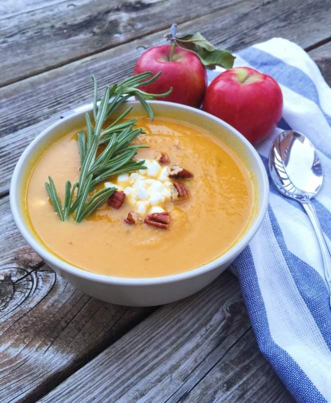 healthy butternut squash soup.JPG