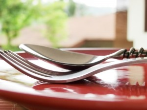 cutlery-on-red