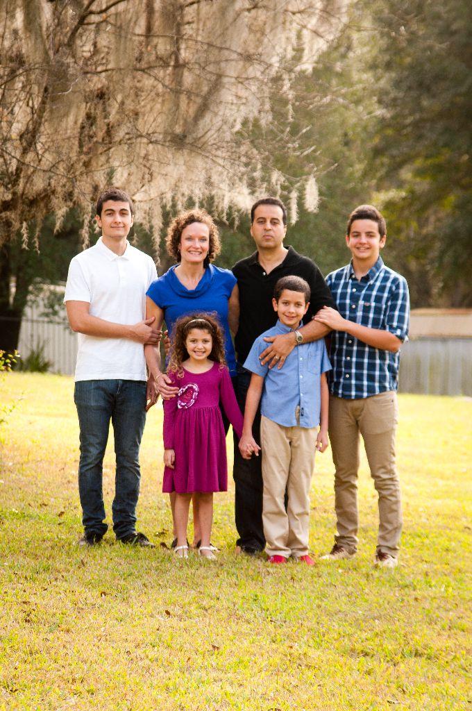 Fourari family - a month of thanks