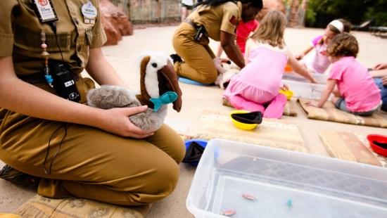 childrens-activity-centers-00