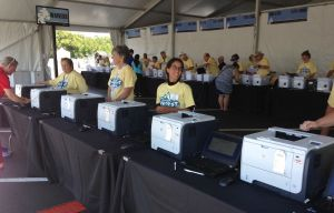 Printers ready to print your participation document and waiver: Disney anticipated that runners could have forgot this paper...