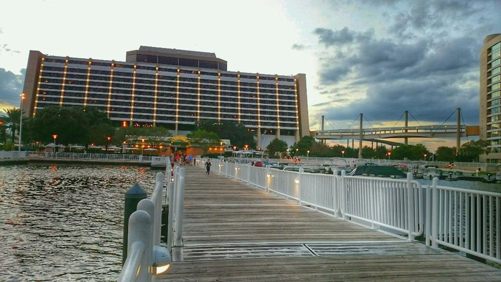 Contemporary Boat Dock - Wordless Wednesday