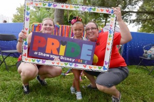 Disney-VoluntEARS-support-Come-Out-With-Pride-Orlando-1-1024x683