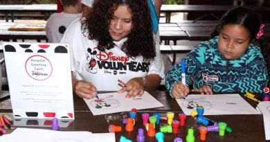 Disney voluntEAR Day