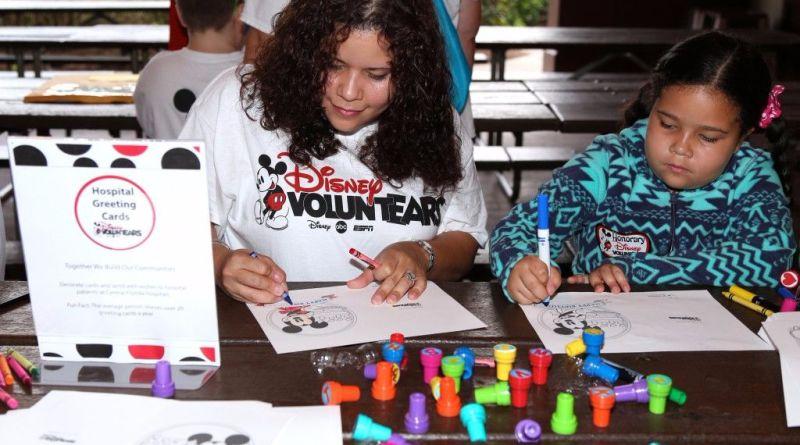 Disney voluntEAR Day