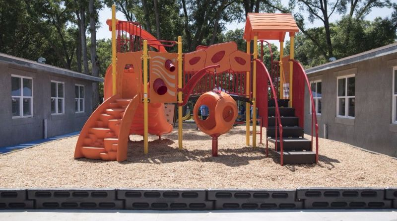 disney voluntears build playground