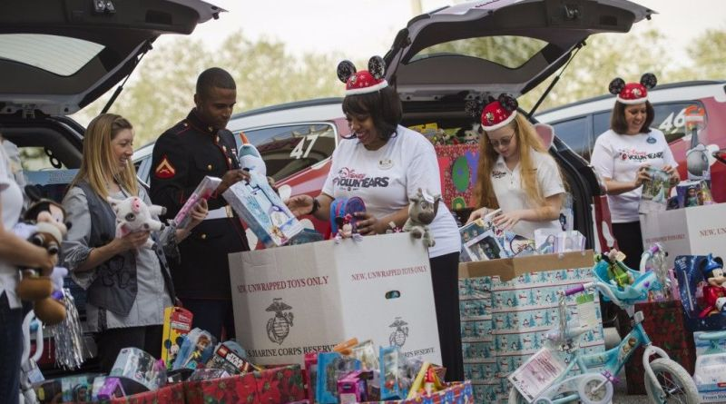 Toys for Tots Disney VoluntEARS