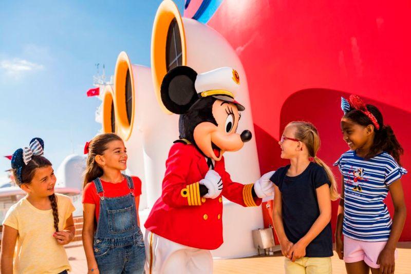 Captain Minnie Mouse
