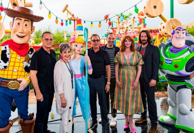 'Toy Story 4' Stars Appear in Toy Story Land at Disney's H