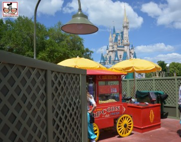 While half of the hub reconstruction is completed, the second have is in full swing. This is walking out of adventure land, all walls an a popcorn cart.