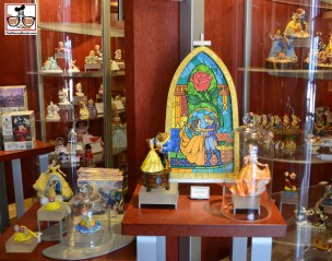Love window shopping and taking pictures in Art of Disney at Epcot.