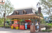 The new hub - outside circle - features two new popcorn/ice cream carts.. much bigger than the previous stands near the castle (the old stands where replaced by the new turrets_