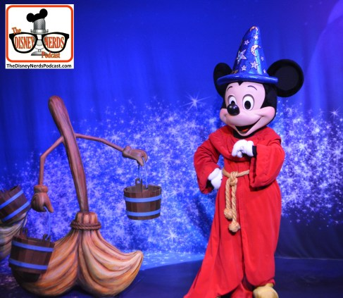 2015-12 - Hollywood Studios - Sorcerer Mickey in his new temporary home - the former location of the legend of Jack Sparrow attraction