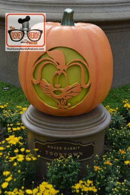 The Disneyland Hub - Complete with Pumpkins representing each of the lands. Rodger Rabbit - Toontown