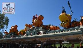 Disneyland Halloween entrance