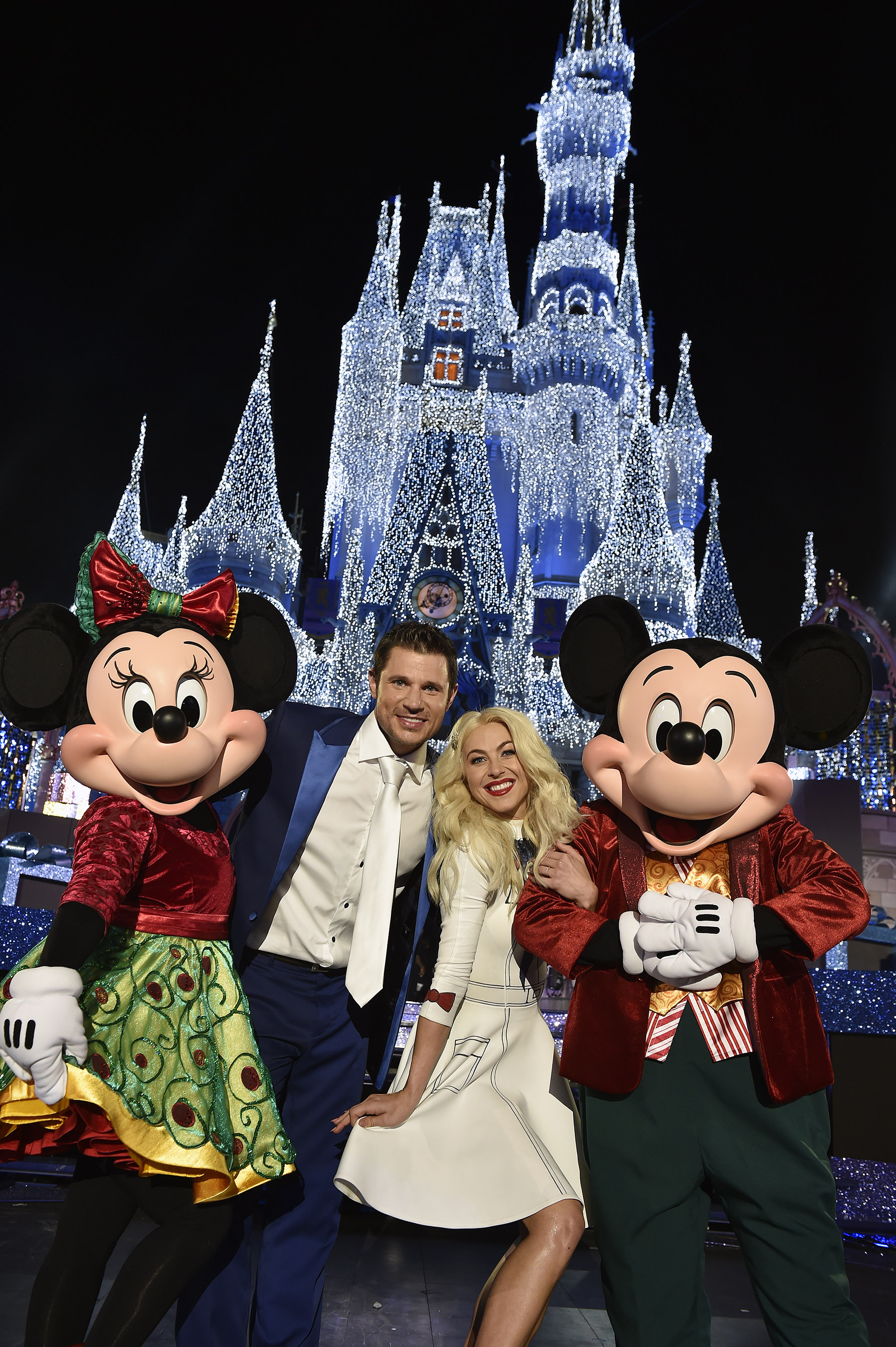 mark you calendar the wonderful world of disney magical holiday celebration november 30th on abc holiday tv