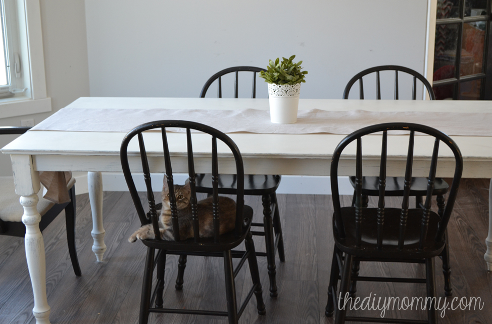 diy painted windsor chairs office chair surabaya a shabby chic farmhouse table with chalk paint the mommy