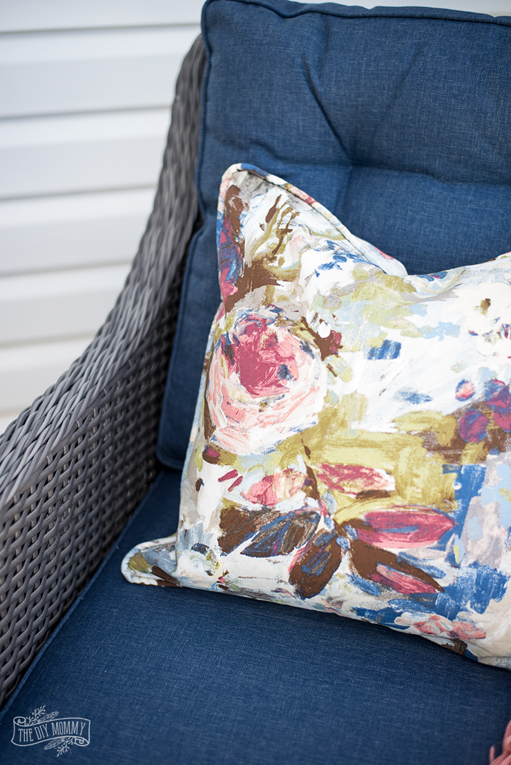 sew a piped zippered pillow cover