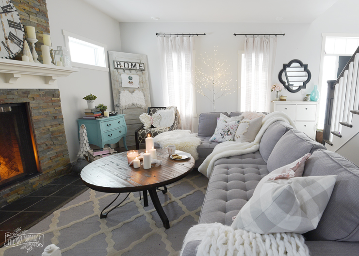 How To Create A Cozy, Hygge Living Room This Winter