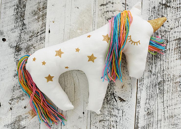 Make a Unicorn Plush Pillow with the Cricut Explore Air