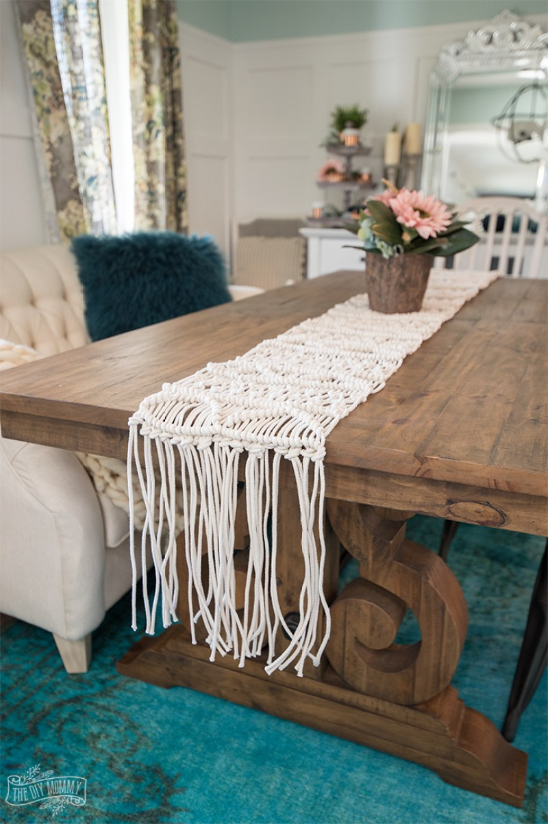 How to make an Anthropologie inspired macrame table runner (video tutorial)