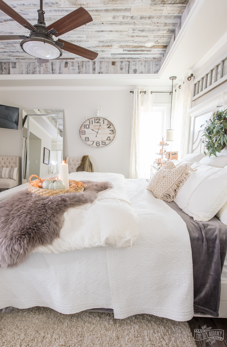 Cozy  Easy Fall Bedroom Decorating Ideas  The DIY Mommy