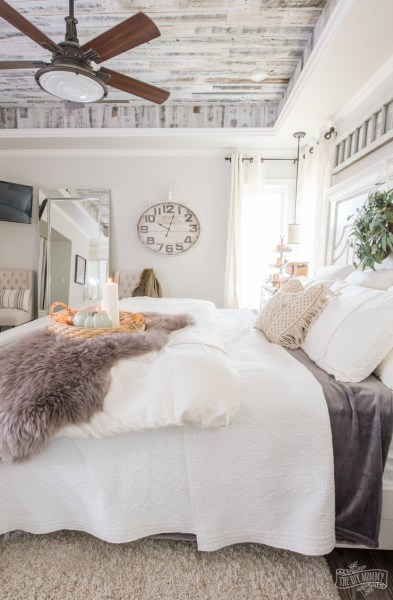 easy bedroom makeover ideas Cozy & Easy Fall Bedroom Decorating Ideas