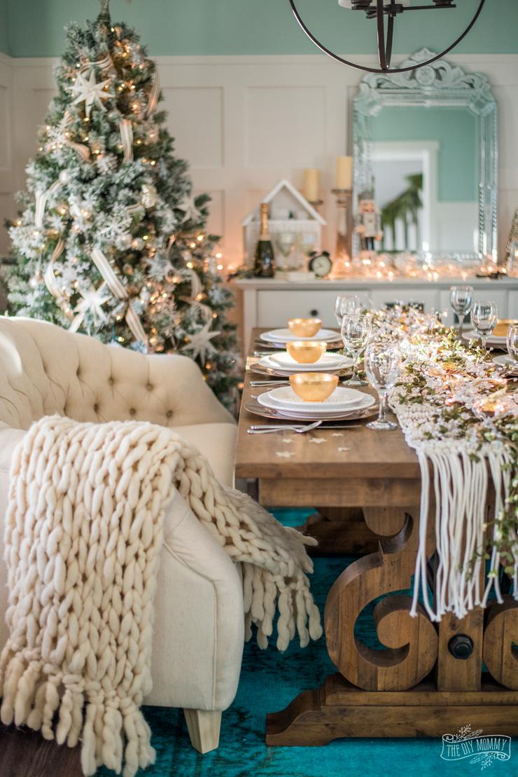 Easy New Years Eve Table  Decor Ideas