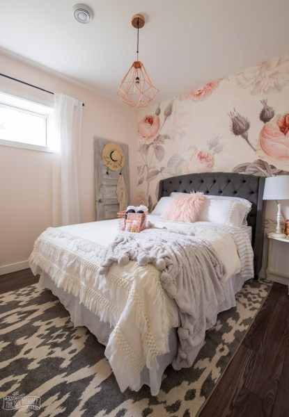 feminine adult bedroom pink Feminine Modern Farmhouse Guest Bedroom Makeover | The DIY Mommy