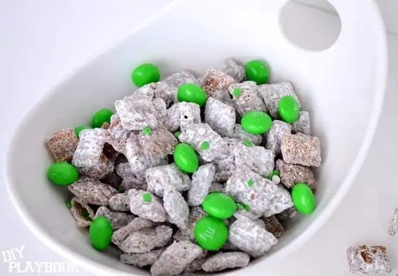 pot-of-green-puppy-chow-004