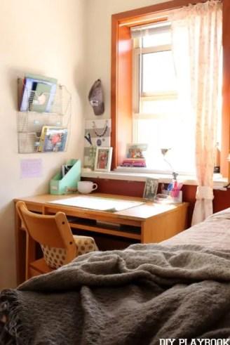 Dormify Desk