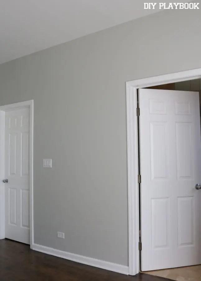 05-master-bedroom-blank-wall