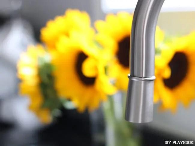 11-Elverdam-kitchen-faucet