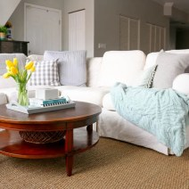 pillows-blankets-family-room-couch