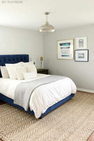 bedroom_gallery_wall_pillows_headboard