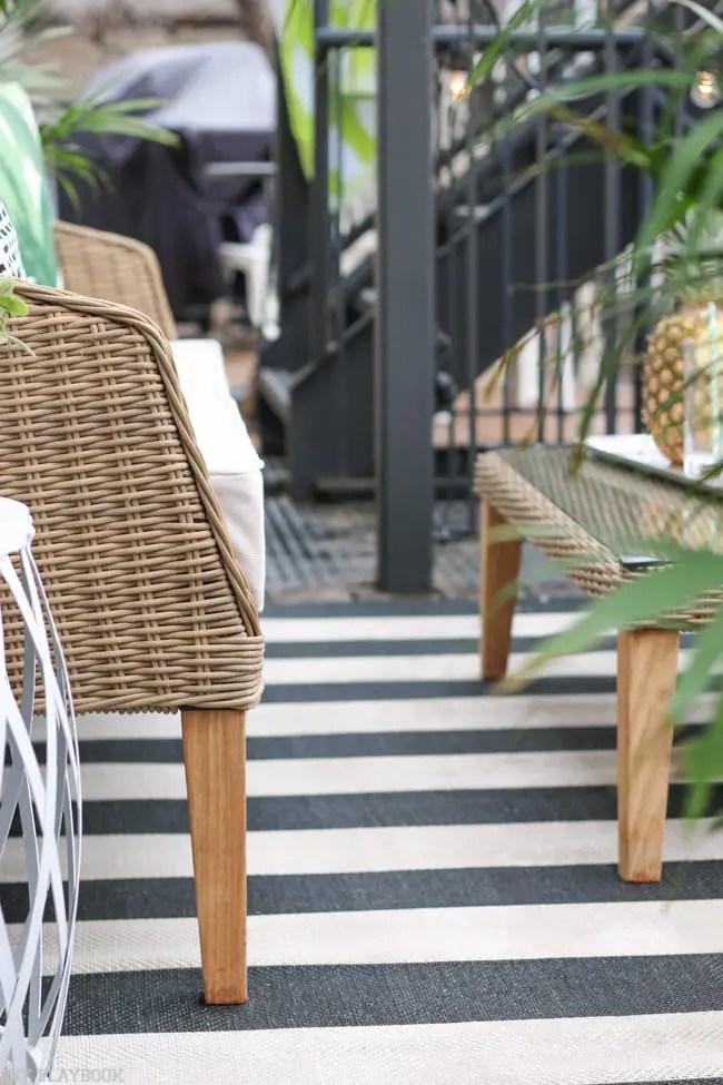 patio_balcony_outdoor_furniture_flowers-28