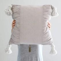 diy_tassel_pillow_tutorial-18