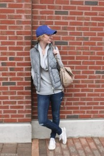 chicago_bridget_fashion_fall-vest-hat-cubs-converse