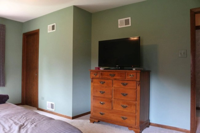 bedroom-lowes-makeover-before