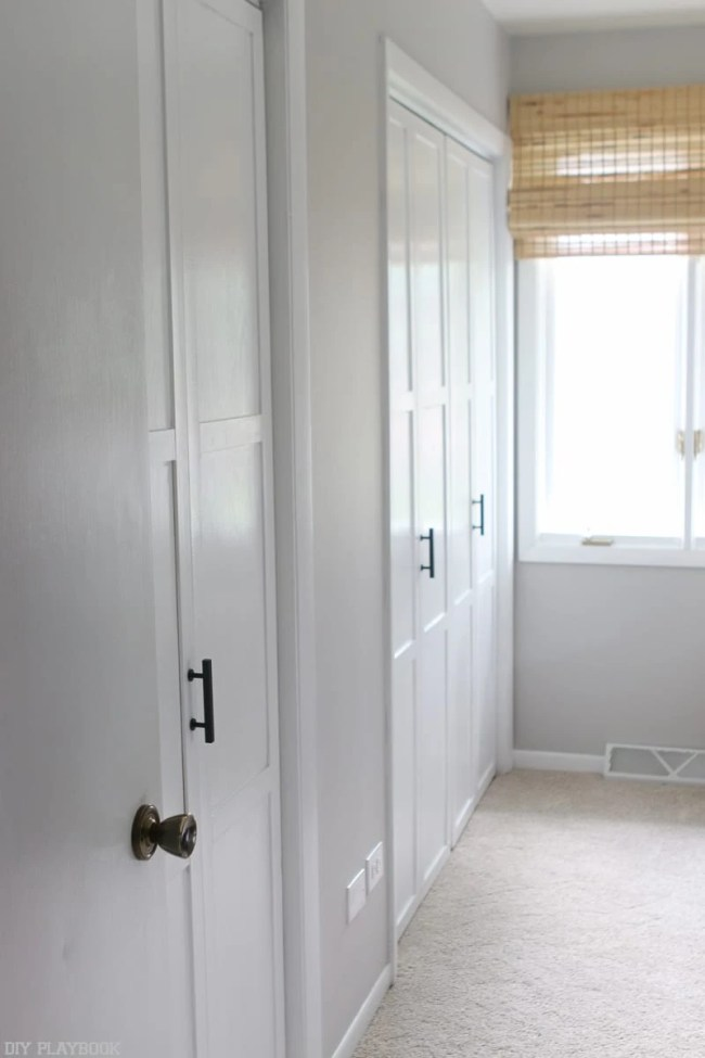 lowes-makeover-bedroom-reveal-closet-door-tutorlal